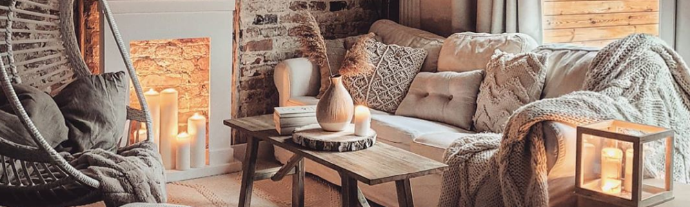 Our 4 Favourite Rustic Farmhouse Style Living Rooms