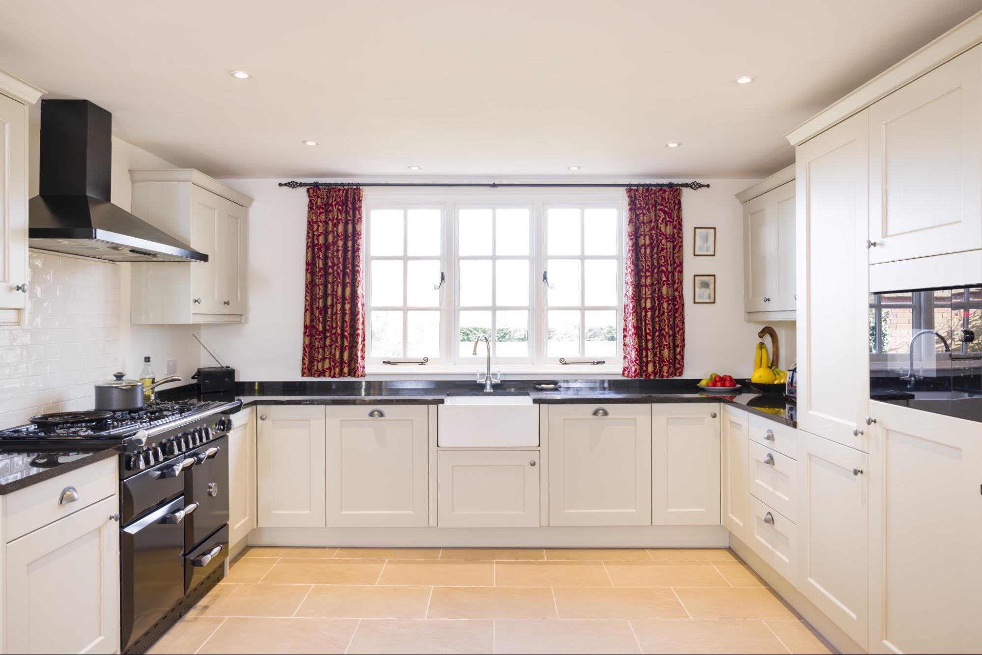 modern farmhouse kitchen blinds